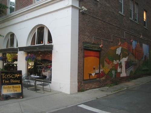 Mural in Tosca Alley
